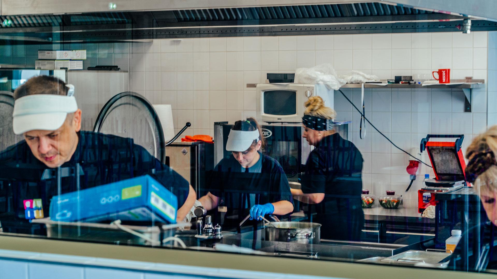 Bluebar Catering dietetyczny Warszawa - Nasza specjalność to catering dla szkół i przedszkoli.